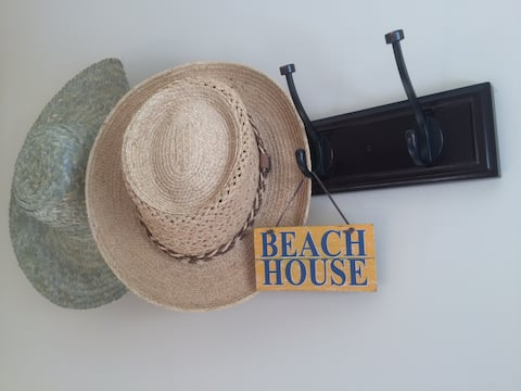 Getaway w/ private beach access (1 or 2 BEDROOMS)