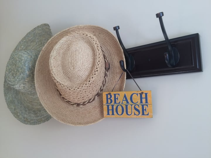 Beachside Getaway with private beach access