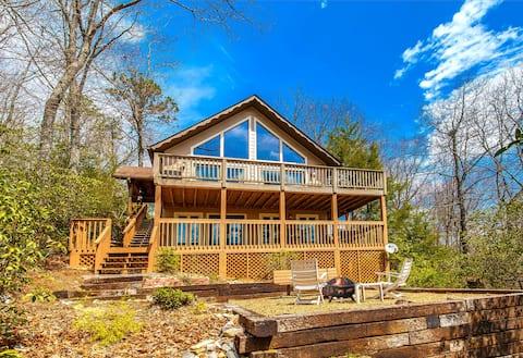 Cabin Retreat Brevard - Golf / Lake / Pool Access
