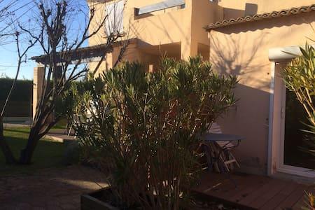 Studio avec jardin- entre Aix et Marseille - Bouc-Bel-Air