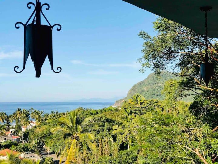 Casita Verde - ocean-jungle vistas w large sundeck