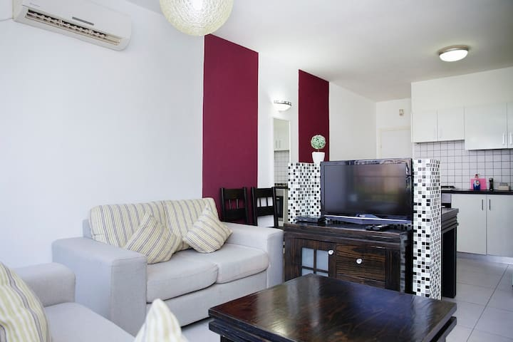Apartment in Bat Yam (Maria-1)