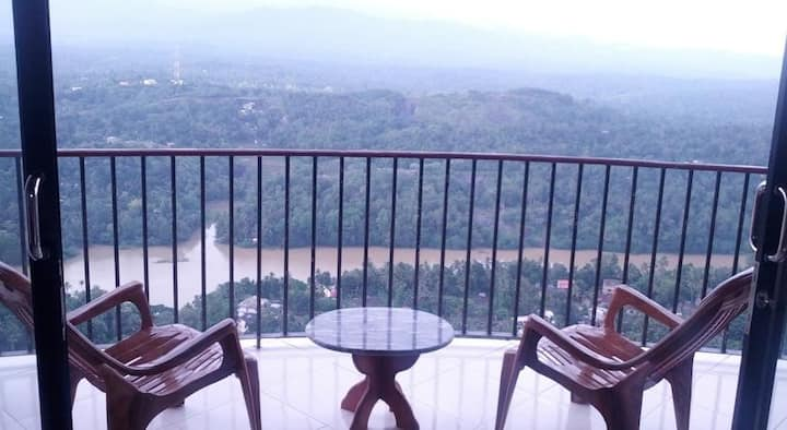 Kandy Panorama AC room sleeps 1-4 B&B amazing view