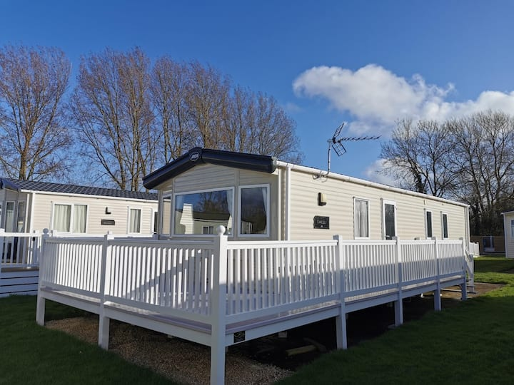 South Cerney Hoburne 'Oakley' static Caravan