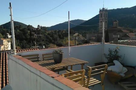 Tranquilidad y Montaña cerca de Barcelona - Sant Feliu de Codines