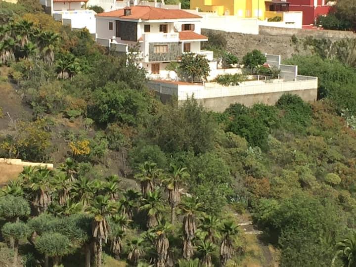 Idyllische, moderne neue Wohnung +Terrasse +Garten