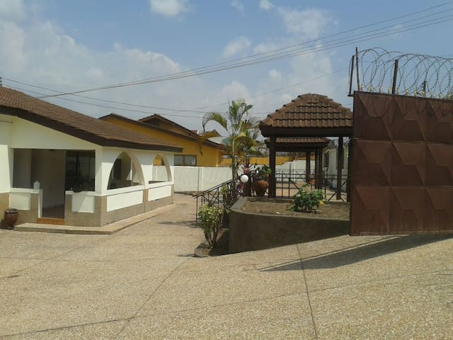 1 Bedroom en-suite Available - Accra - Casa