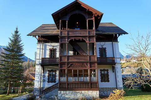 Villa Kristina #7 - Loserblick