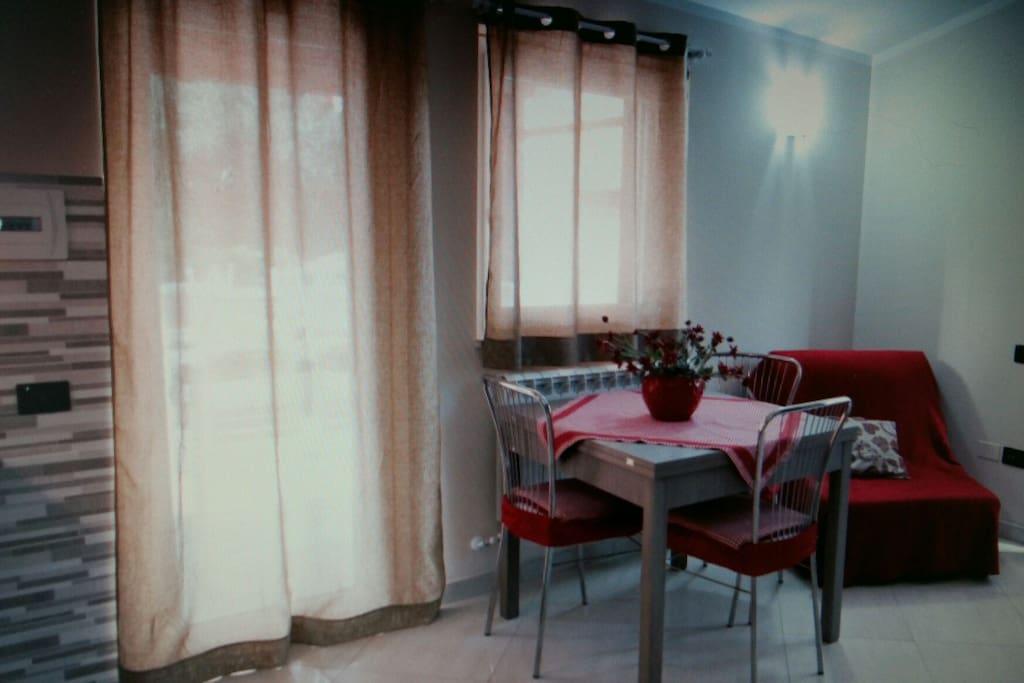 angolo cucina soggiorno