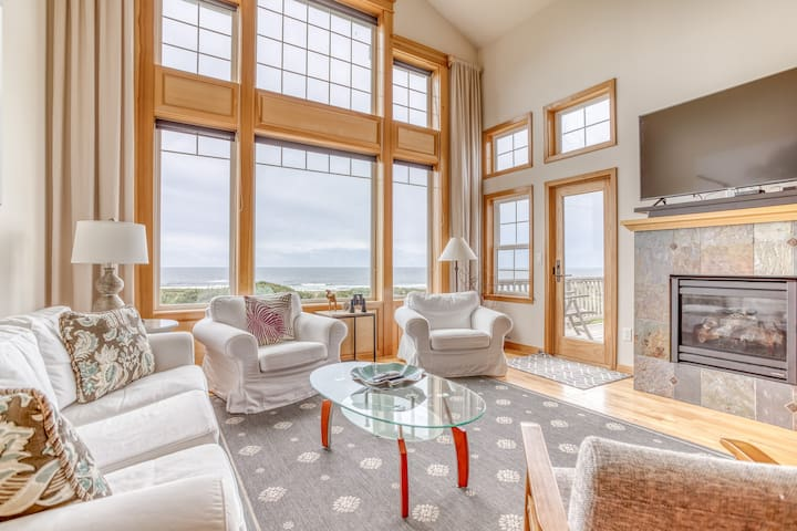 Magnificent Ocean-view Townhome has Luxury Appointments, Game Room, Hot Tub and King Suite!