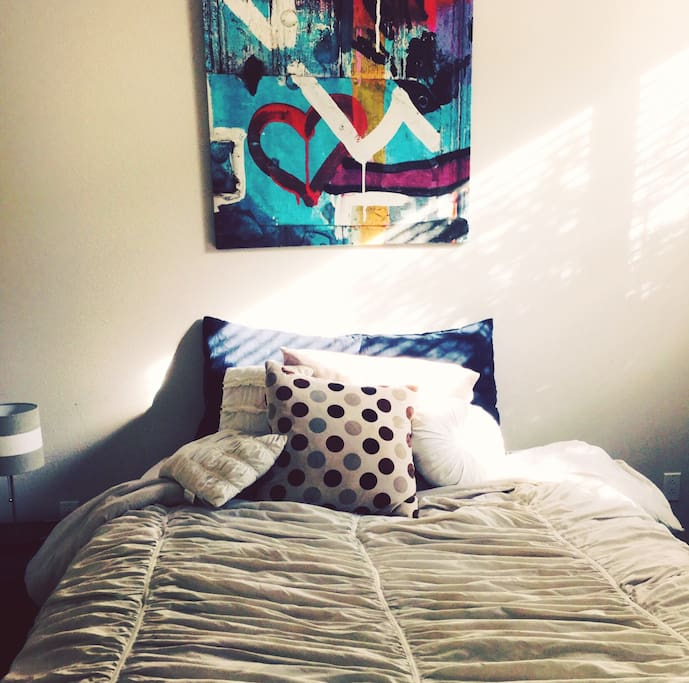 Private Bedroom- Queen Size Bed