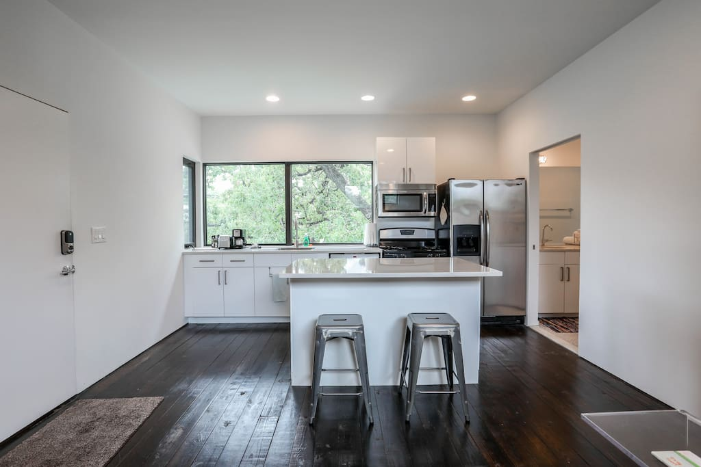 Modern Guesthouse Near E 6th 11th Guest Suites For Rent