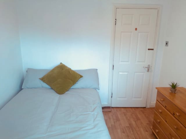 Beautiful Double room with Garden (2)