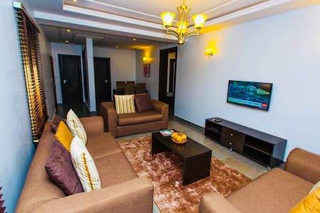 Exquisitely Furnished 2-Bedroom {Xplora}