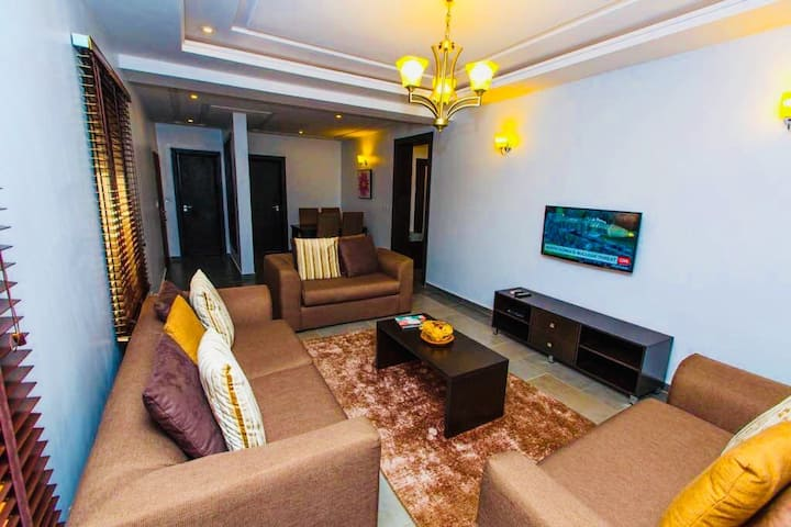 Exquisitely Furnished 2-Bedroom {Xplora}