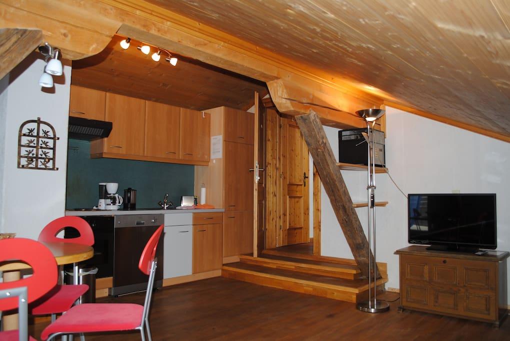 Wohnraum mit HD TV Gerät (Kabel-TV)