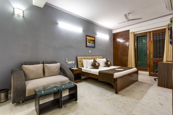 Awesome Studio with Kitchen @ City Centre Noida