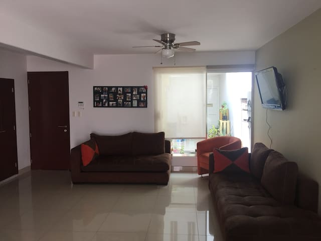 Comfortable house in exclusive zone