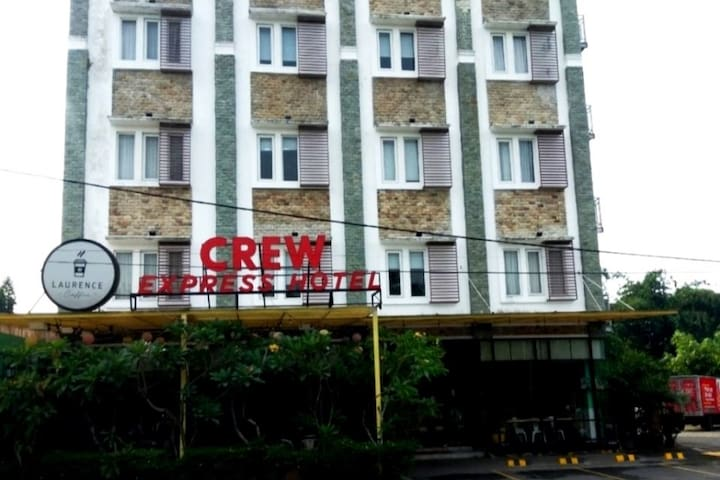 Crew Express Hotel