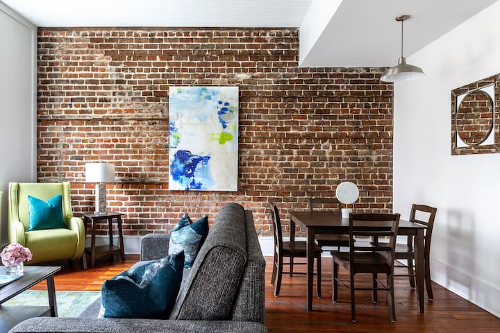 Captivating One Bed on Broughton Street