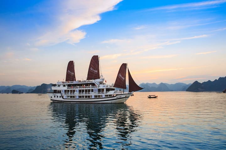 Halong Bay Cruise ( The best one recommended) - Ha Long - Boat