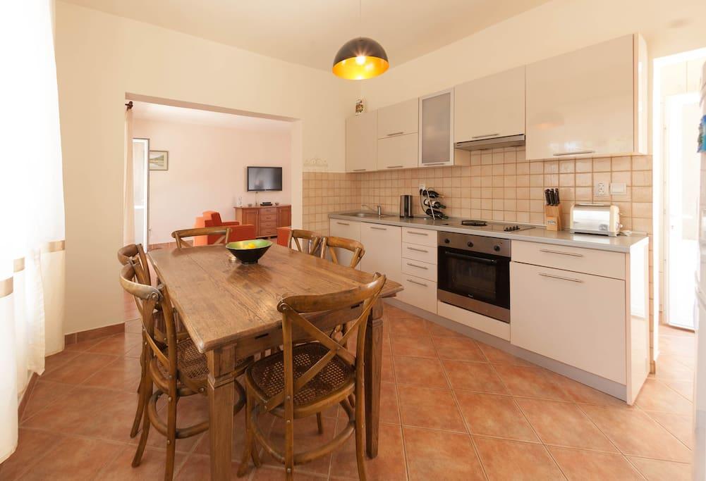 Ground Floor - Kitchen/ Dining room