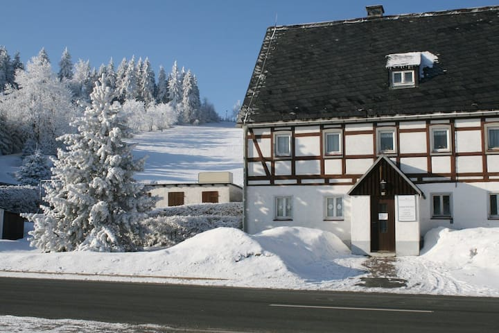 Ferienhaus am Skihang - Altenberg - Apartment