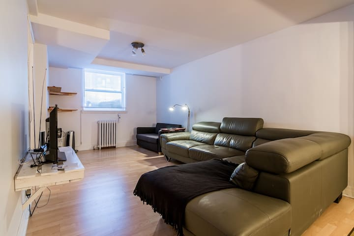 2 bedrooms apartment with a parking space