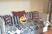 Room 1 - Daybed