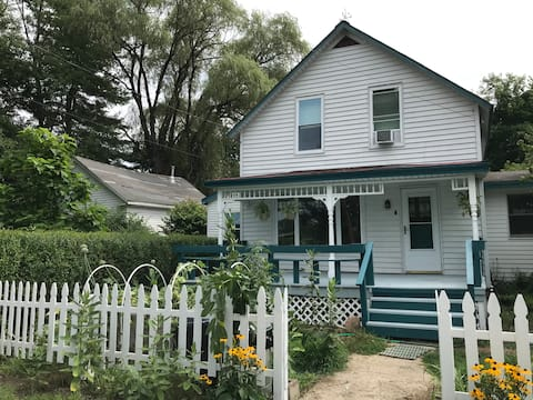 The Swanery: A dog-friendly home on the CT river