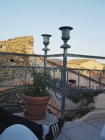 Terrasse sud vue 360° gite semaine