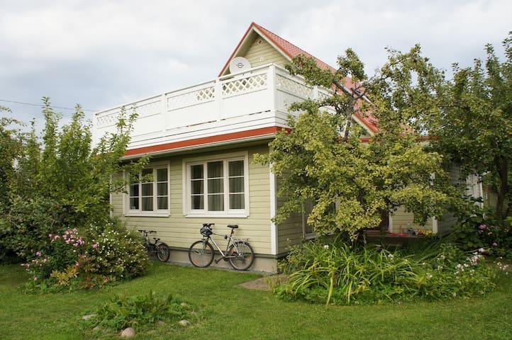 House & garden in Tallinn - Tallinn - House