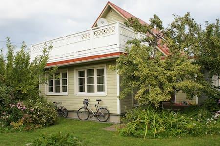 House & garden in Tallinn - Tallinn - Haus
