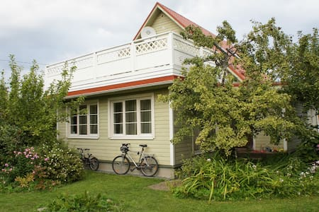 House & garden in Tallinn - Tallin