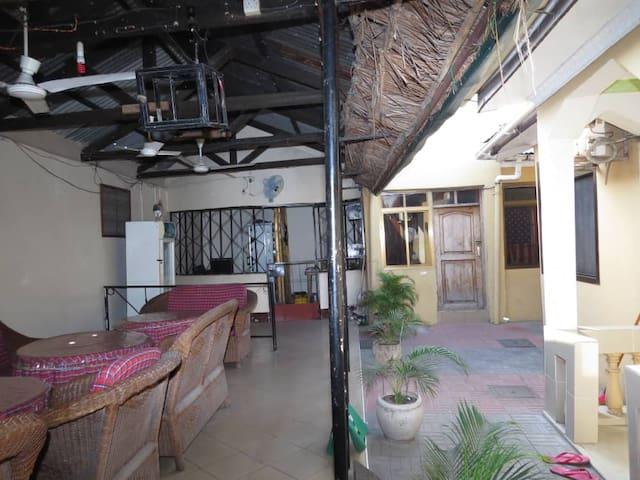 bush house hostel