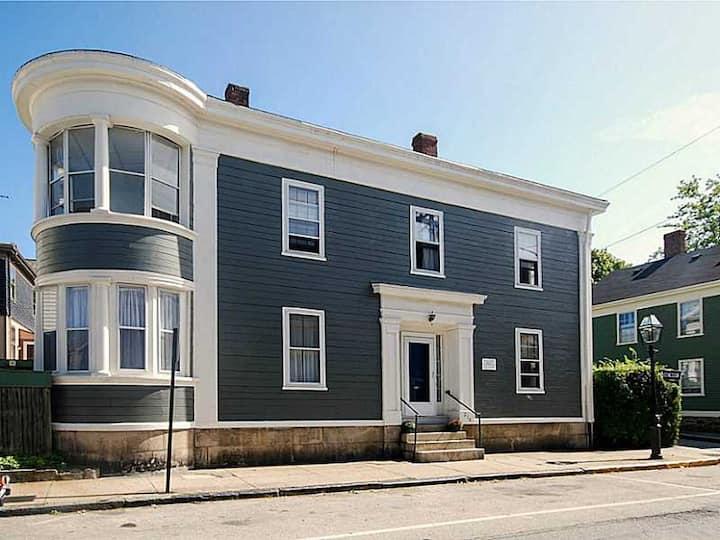 Downtown Newport Home - Unit 1