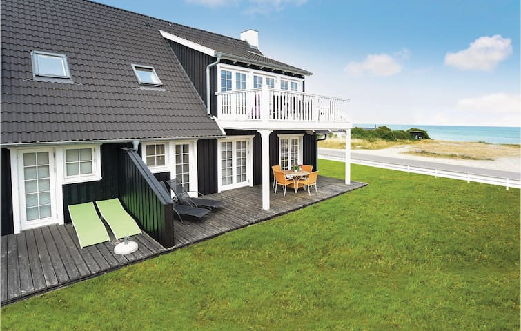 Holiday apartment with 2 bedrooms on 97 m² in Nykøbing Sj