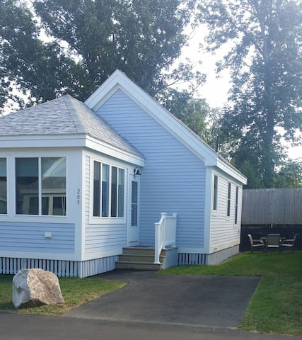 Year Round Cottage Close to Beaches - Comes With Golf Cart & Xbox One