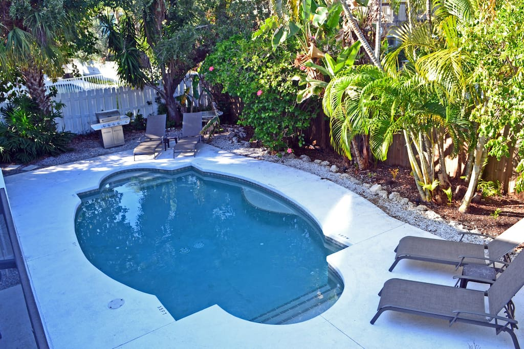 Walk To Beach More W Pool Condominiums For Rent In Siesta Key Florida United States