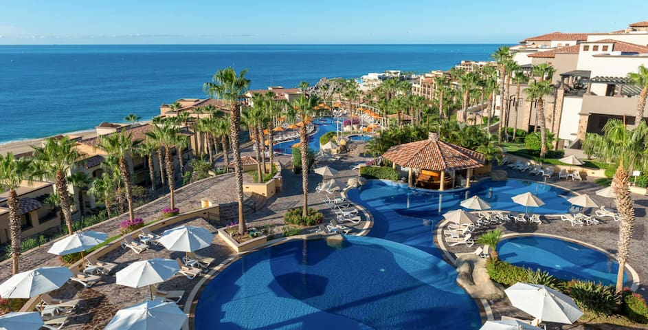 Last Minute Deal: Cabo Pueblo Bonito Sunset Resort
