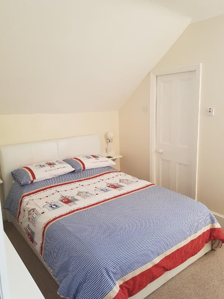 Room 7 - Double with Walk in Shower