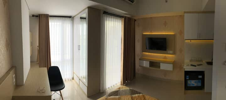 Minimalist & Stylish Studio near UGM, city center