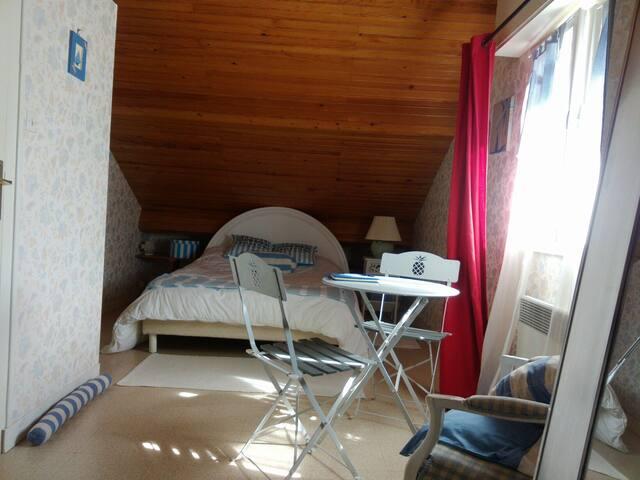 Grande chambre lumineuse bord plage - Pornichet - Huis