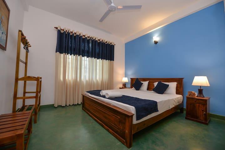 Kandyan Rest deluxe bedroom