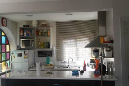 Alojamiento tranquilo en urbanizacion residencial - Lloret Blau