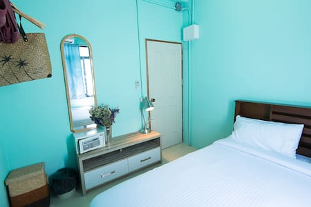 Buffalo Thai Cafe& Bistro #Room 1 - Ko Lipe - Bed & Breakfast
