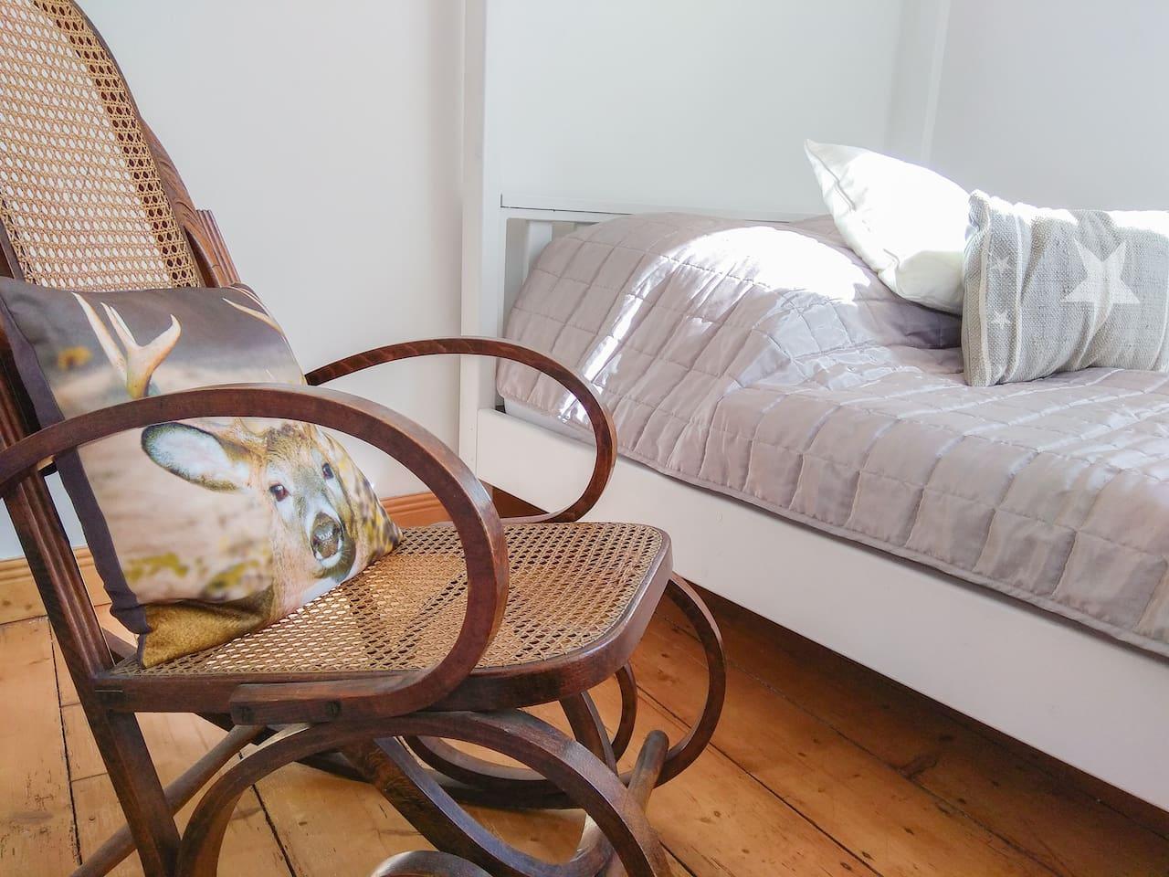 Alkhove bed in bedroom 1