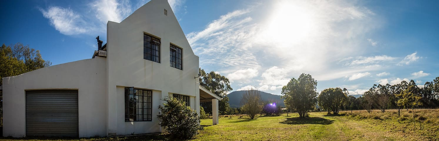 Farm house with lovely mountain views - Greater Plettenberg Bay