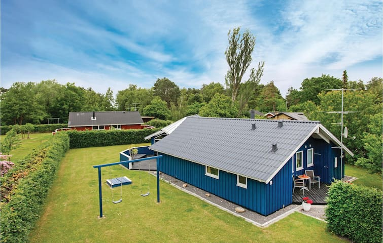 Holiday cottage with 4 bedrooms on 116 m² in Gørlev