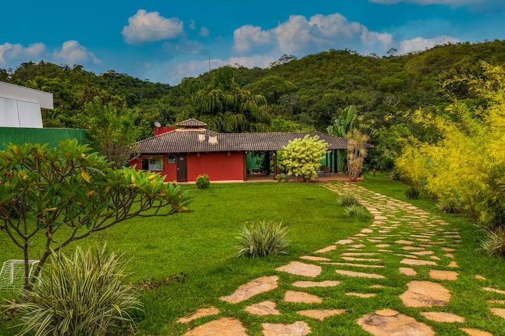 Casa rústica, linda e aconchegante 7km da Ponte JK